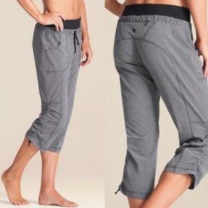 ATHLETA Allegro Ruched  Capri  Yoga Pants Size 6